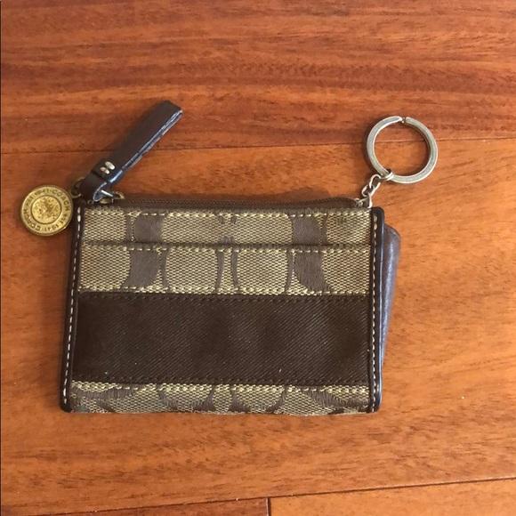 Coach zip signature key case